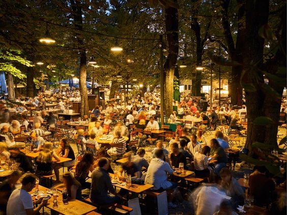 Пивний сад Аугустінер, Мюнхен, Німеччина