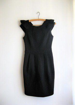 Kup mój przedmiot na #vintedpl http://www.vinted.pl/damska-odziez/krotkie-sukienki/16321223-piekna-olowkowa-czarna-sukienka-rozmiar-s-mala-czarna