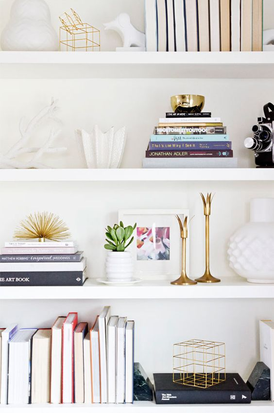 How to Style The Perfect Shelfie: