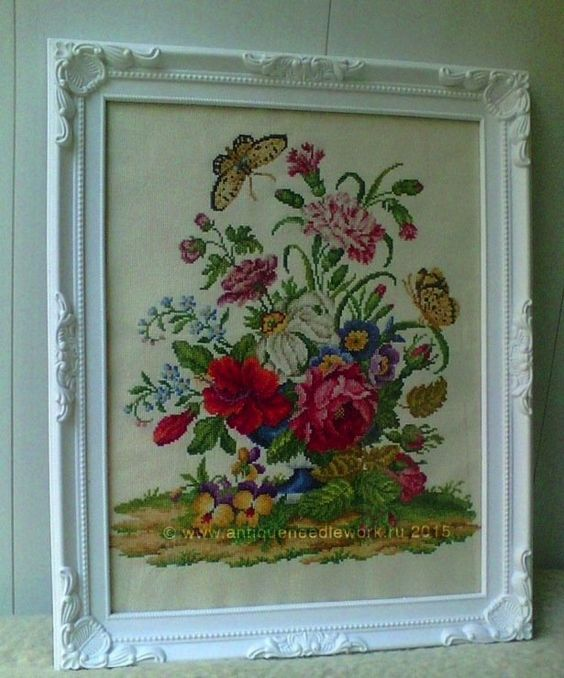 """""""Bouquet in blue cup"""". Cross-stitch chart. The design of the picture is based on the Victorian embroideries (Europe, 19 century). Designer: © Belikova Yana, 2015. Stitch count 191w x 209h., 60 colors, cotton embroidery floss DMC (no blend colors).Embroidery."""