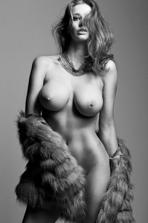 Kylie jenner naked photos