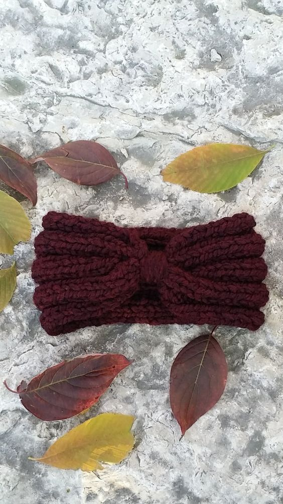 Check out this item in my Etsy shop https://www.etsy.com/ca/listing/183831934/ribbed-headband-chunky-knit-headband