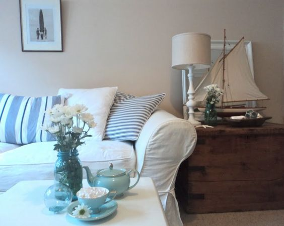 beach cottage decorating shabby beach chic style i love the beach pinterest cottage. Black Bedroom Furniture Sets. Home Design Ideas