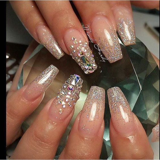 Love @mindyhardy #vegas_nay | Nail Design | Pinterest ...