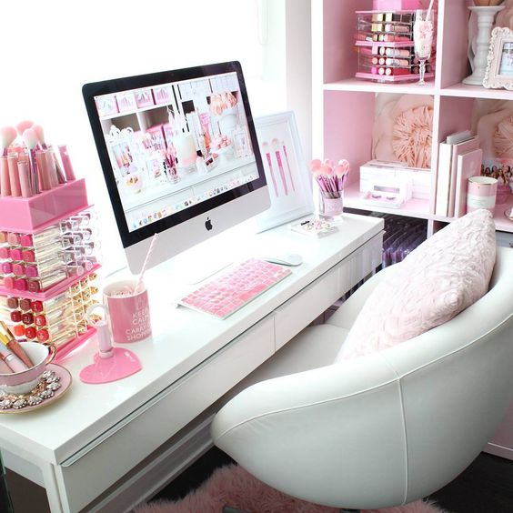 """Happy Tuesday!!!⭐Its always a {SWEET} morning in the pink office!!!⭐ Stay G-L-A-M-orous today beauties!!!⭐ XO  www.slmissglambeauty.com…"":"