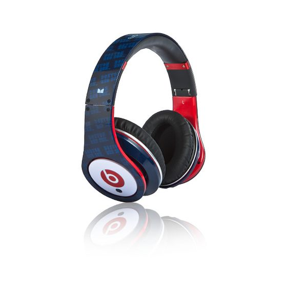 Beats™ by Dr. Dre™ Studio™ High Definition Powered Isolation... ($300) ❤ liked on Polyvore featuring headphones, accessories, beats, electronics and music