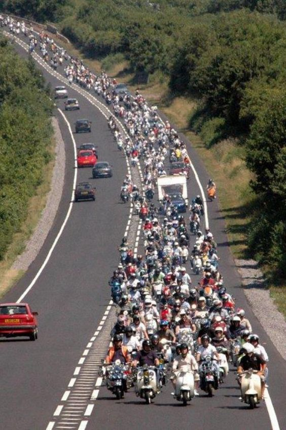 Midlands scooter alliance. Rideout to Stratford on Avon. I'm in there somewhere!