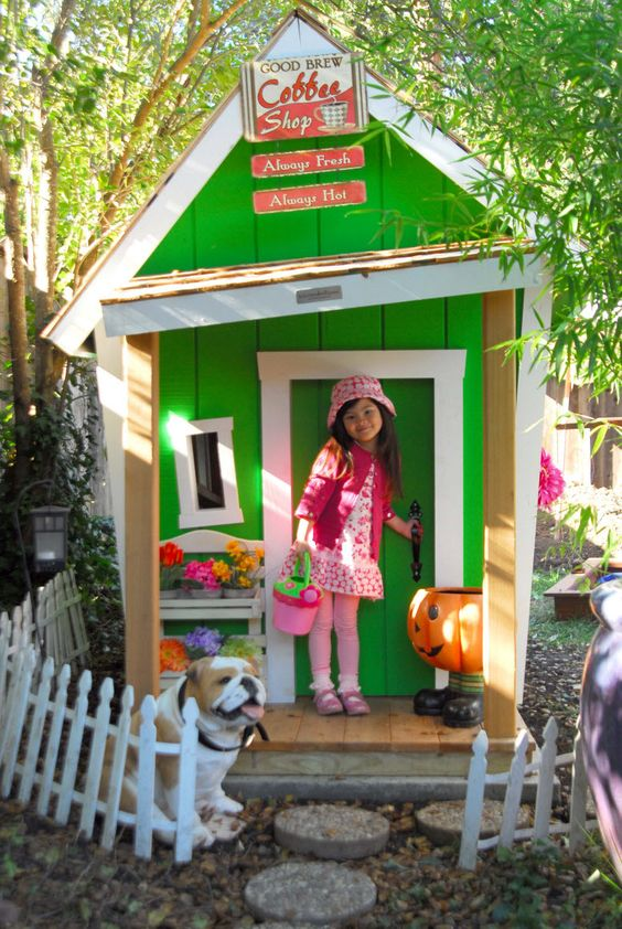 Crooked playhouses are awesome :)