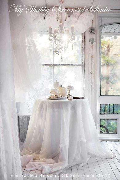 Autumn Party Table Setting in white.