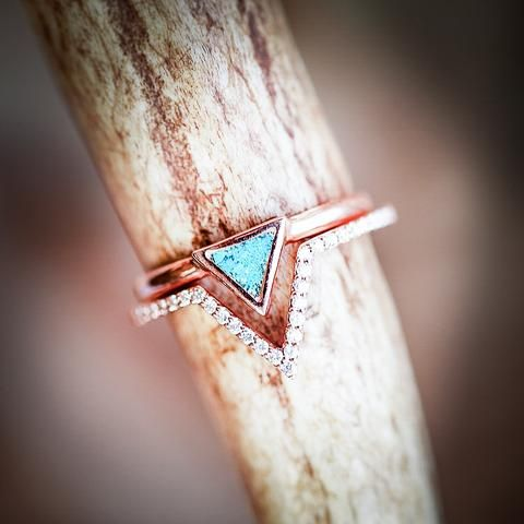 Mera With Turquoise Diamond V Shaped Stacker In 14k Gold