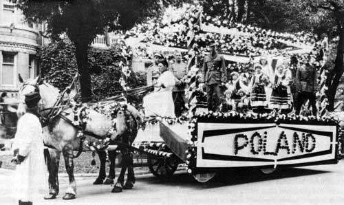 Poland float in Diamond Jubilee, Confederation Parade, July 1, 1927, Manitoba, Canada.  Source: Archives of Manitoba