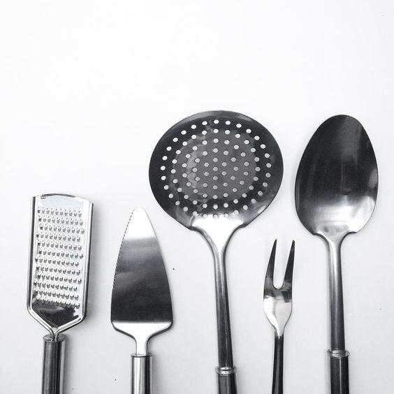 ralador | espatula |  escumadeira | garfo | colher brinox e ningbo