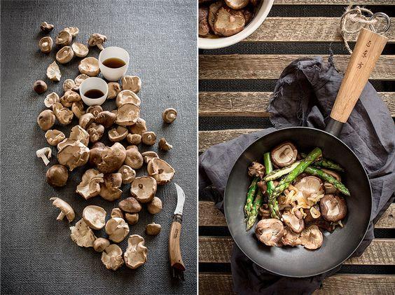 Cocinar al wok, va un poco más alla de un simple salteado bajo en grasa. Las verduras, los mariscos y la carne en tiras son los ingredientes que habitualmente se cocinan en wok, ayudando a manetener sabor y propiedades nutritivas intactas.