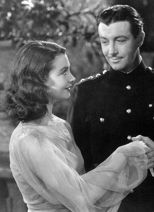 Vivien Leigh and Robert Taylor, Waterloo Bridge, 1940