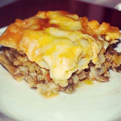 También tenemos comida salada.para tus eventos como esta lasagna rellena de picadillo virreinal www.solybakery.com.mx #comidaparatuseventos