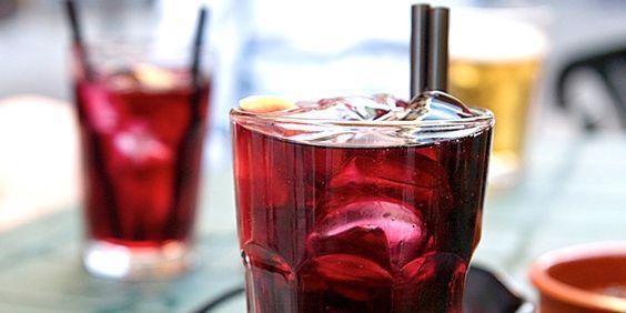 """""""Sangría & Tinto de Verano"""" – Spanish summer drinks. http://spainatm.com/sangria-tinto-de-verano-spanish-summer-drinks/"""