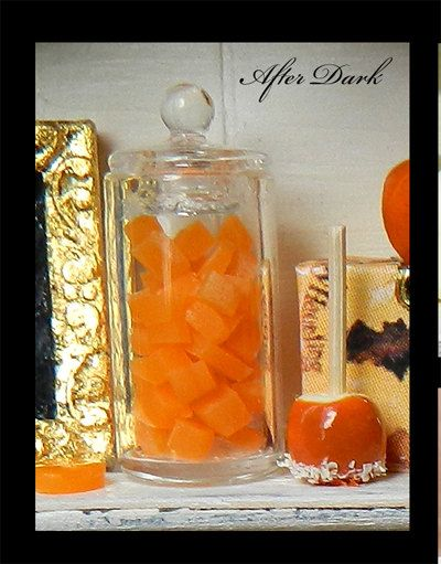Luxury Fall Pumpkin & Candy Display Cabinet von afterdarkafterall