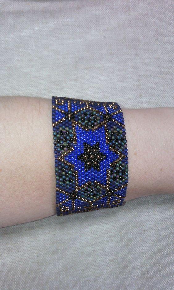 Bracelet manchette A L'origine du point peyote en par McommeMaryna