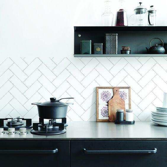 Kitchenwalls behang keukenachterwand Visgraat 3 kleuren