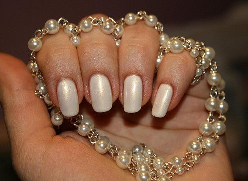 Pearl Nails....I wonder what this polish is