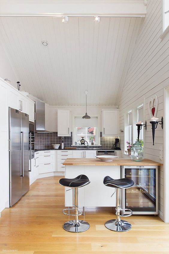 Liten köksö…. | Kök | Pinterest | Kitchen ideas and Interior : köksö stolar : Kök