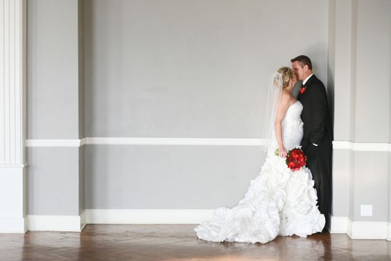 Real Wedding: Kelly + Chris in Minneapolis // Images by Studio Laguna Photography