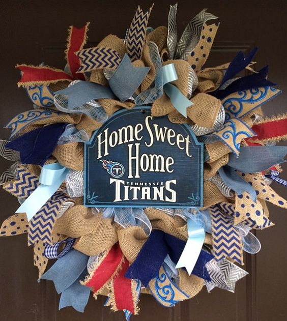 Tennessee Titans wreath by GreatExpectations12 on Etsy