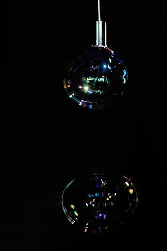 4   A Lamp Made Of Bubbles Blown In Real Time   Co.Design: business + innovation + design