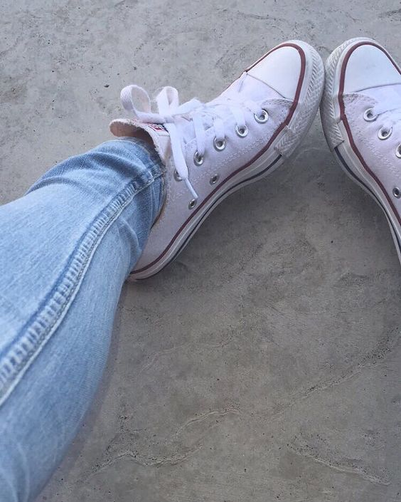 Hollister jeans | and converse