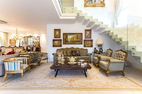 Dourado domina decoração de casa em Natal (Foto: Alberto Medeiros/divulgação)