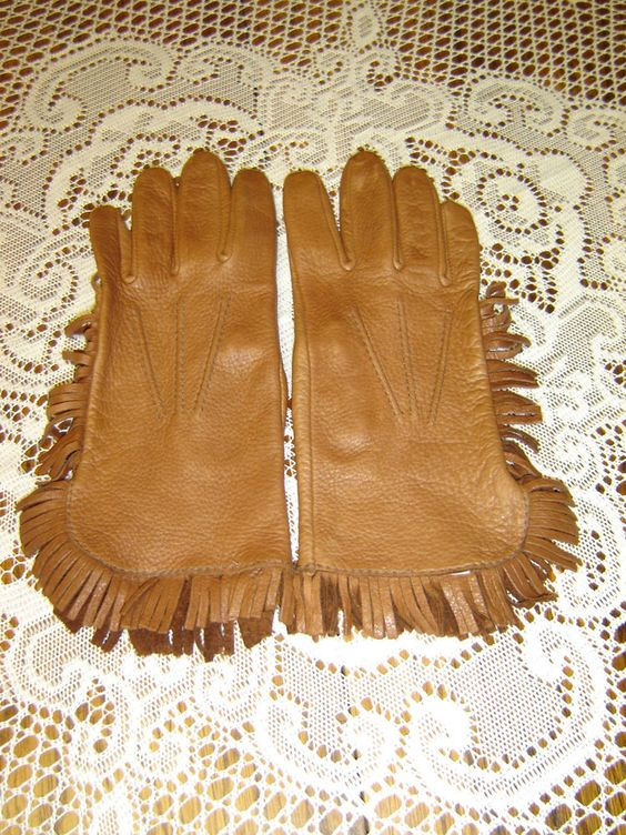 Women's Western Leather Gloves with Fringe - Berlin Glove Company - Size Small #BerlinGloveCompany #WesternGloves