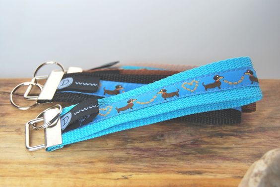 Schlüsselbänder - Schlüsselband / Anhänger Hund / Dackel türkis - ein Designerstück von DaiSign bei DaWanda
