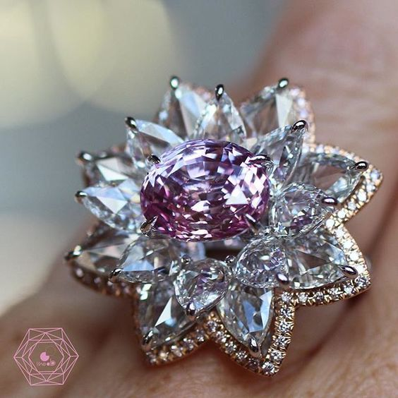 Marvellous lotus padparadsha ring w/ magnificent 6.34 ct sapphir oval…