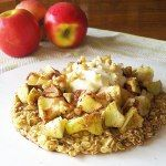 http://athleticavocado.com/2014/11/22/apple-pie-breakfast-pizza/