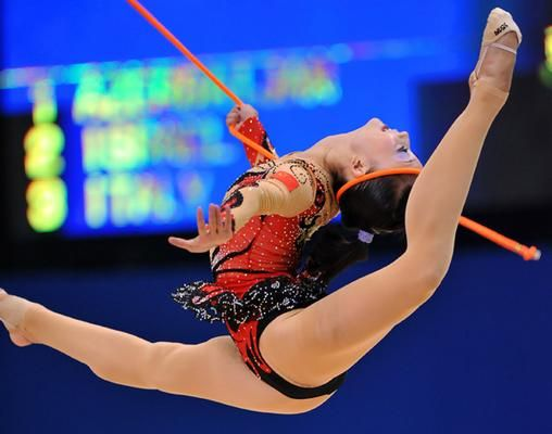 Chinese rhythmic gymnast Yidan Ding performs with a rope during