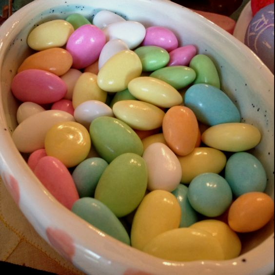 Candy coated almonds for easter