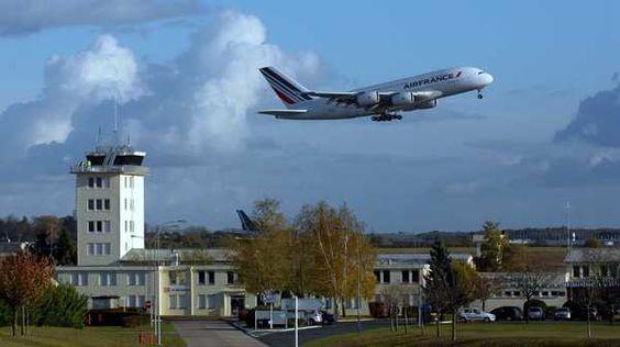 Après Nice et Ajaccio, l'aéroport de Châteauroux travaille sur trois nouvelles liaisons qui pourraient être mises en place prochainement : Palma, Londres et Lyon...