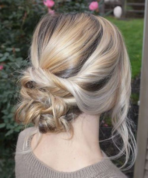 Simple But Crazy Low Bun Hairstyles For Evening Parties Hair And Comb Hair Styles Debs Hairstyles Homecoming Hairstyles