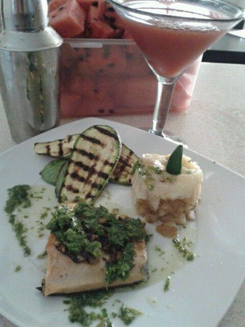 Salmón marmoleado con salsa al pesto !