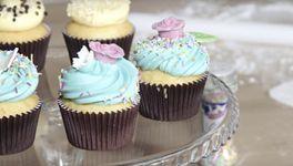 Cupcake alla vaniglia con farcitura al cioccolato