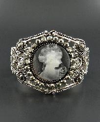 Cameo Silvertone Hinge Bracelet $16.50