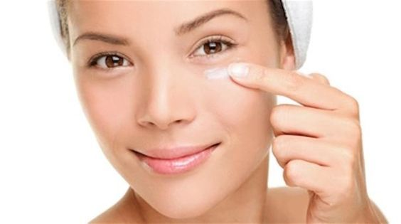 Homemade tricks to Remove dark circles in simple steps