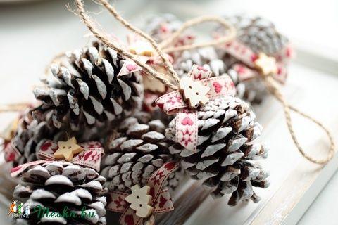 Karácsonyi toboz díszek (SamySeven) - Meska.hu