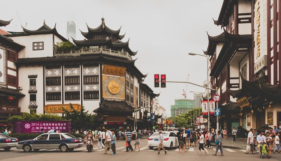Old Shanghai (Yuyuan Garden Zone) by Edgar Bahilo Rodríguez on 500px
