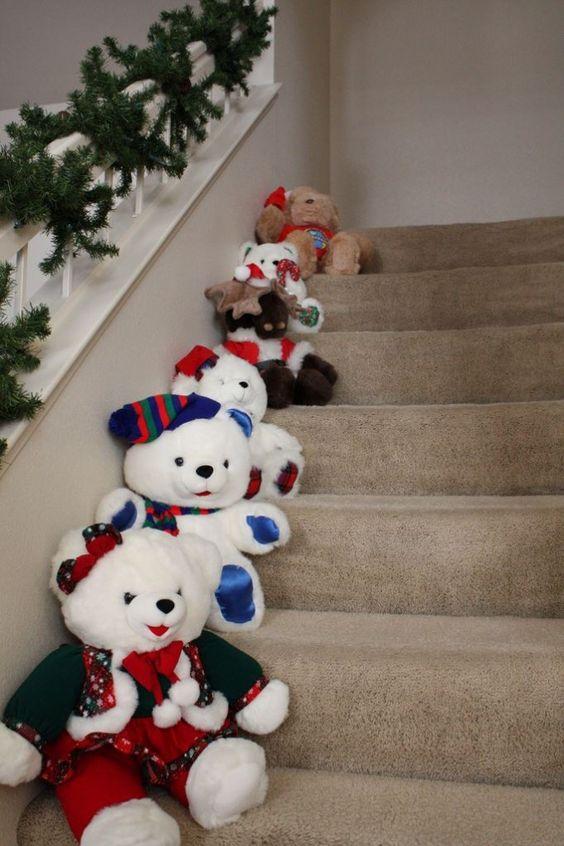 Aprende trucos para decorar escaleras en navidad - Escaleras decoradas en navidad ...