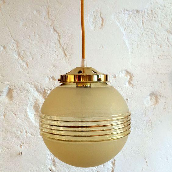 Lampe suspension ancien luminaire abat jour en verre for Lampe suspension verre