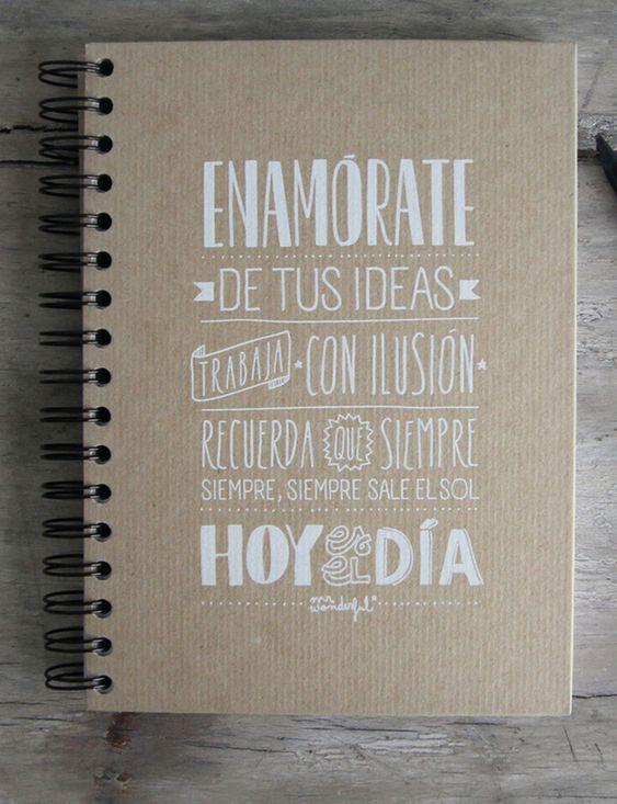 Frases en imperativo en la tapa de un cuaderno