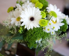 green-amp-white-centerpiece-2: Centerpiece Wedding, Flower Centerpieces, Flowers Wedding, Wedding Flower Arrangements, Country Wedding, Wedding Flowers, Seasons Flowers