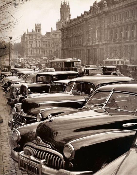 Madrid de los años cincuenta.  Calle Alcalá: