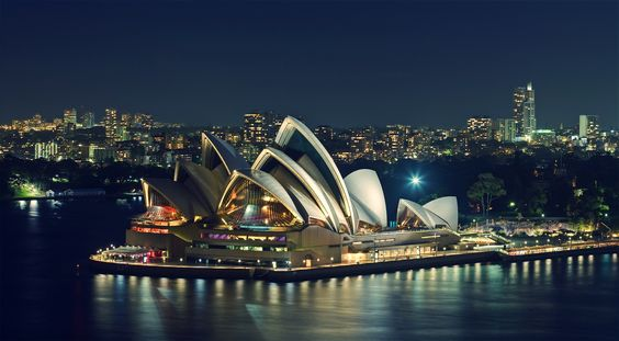 Sydney Opera House - OGQ Backgrounds HD